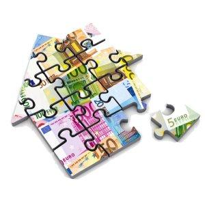 Haus-Puzzle aus Geldscheinen