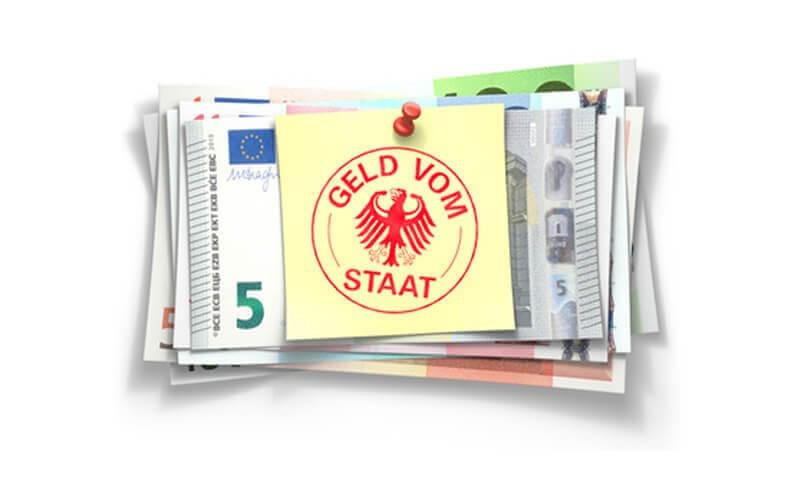 Euro Geldscheine mit Zettel und Stempel vom deutschen Staat